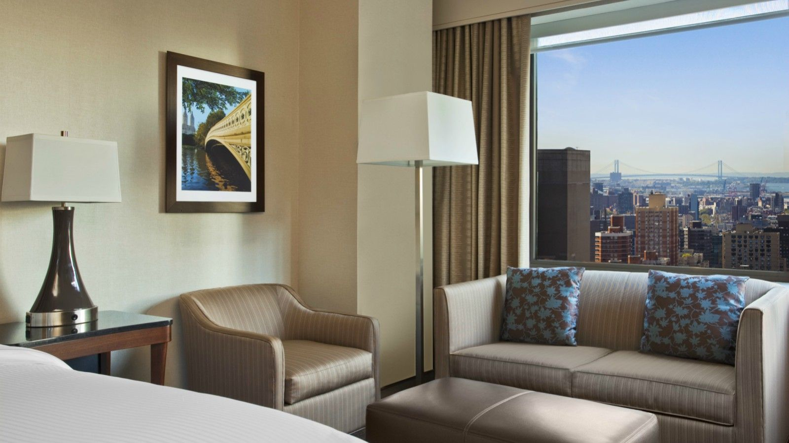 Midtown Manhattan Accommodations - Deluxe Rooms