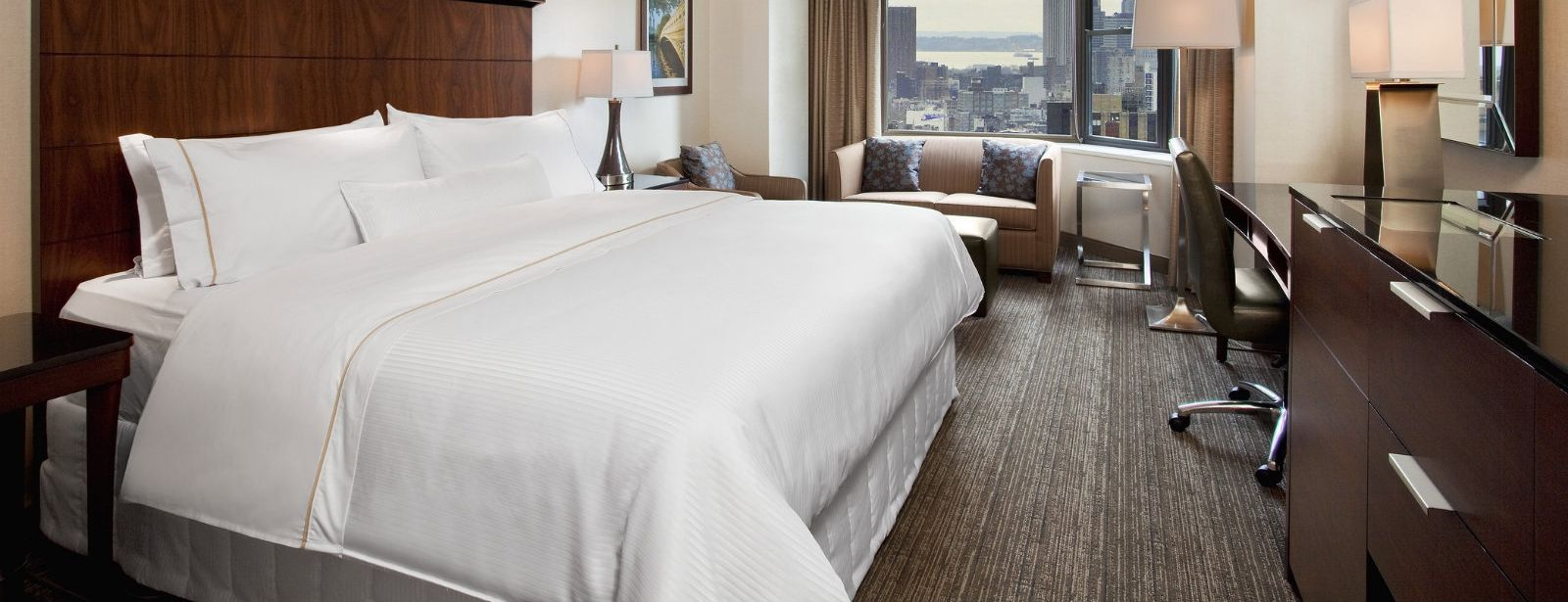 Midtown Manhattan Accommodations - Premium Corner Rooms